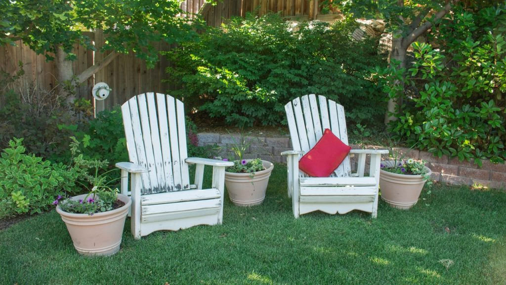 How to Keep Mosquitoes Away from Patio
